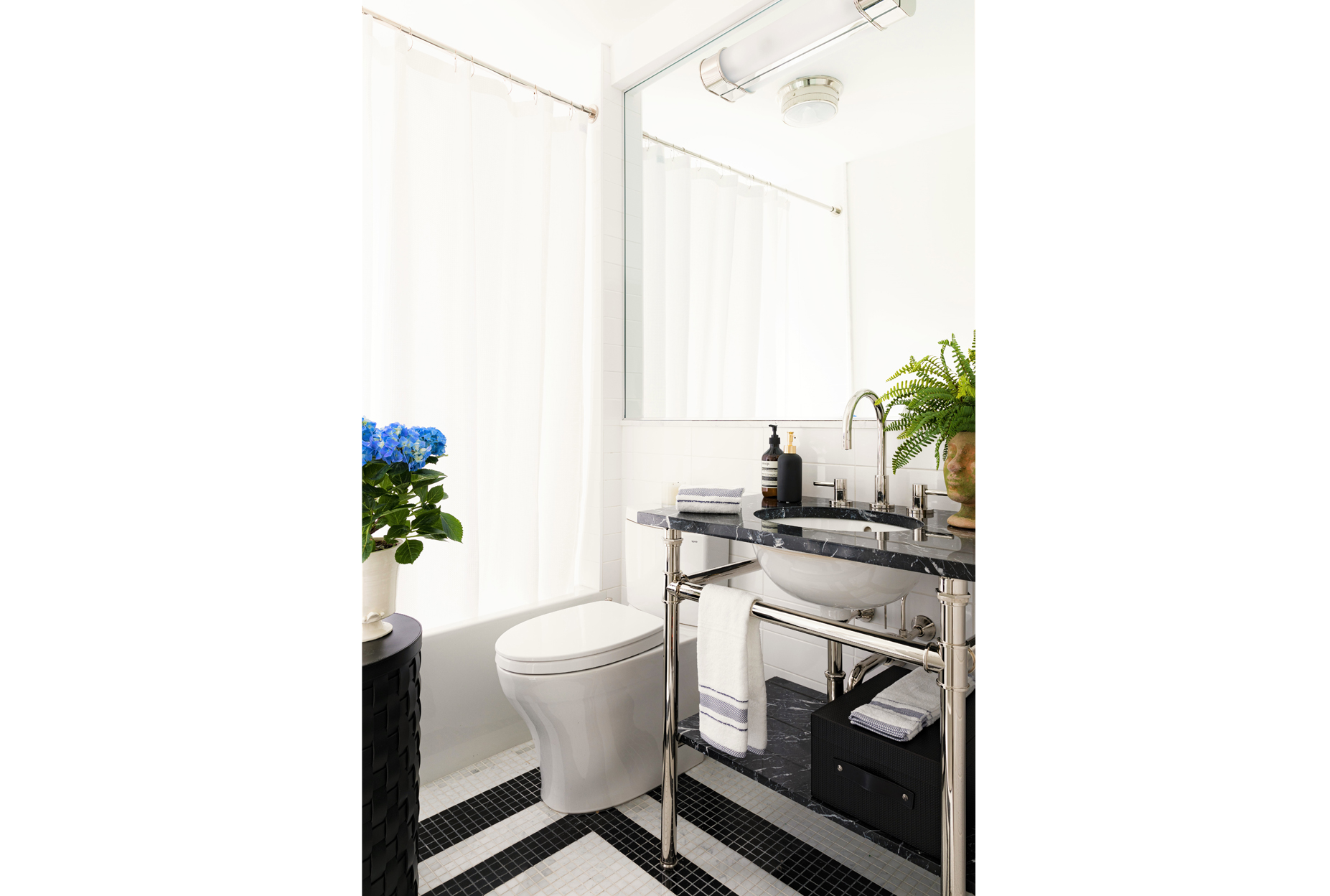 Roughan-Interiors-NYC-Upper-West-Side-Pied-A-Terre-13